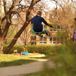 Jak skákat přes Gumu garter?