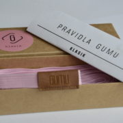 otevřená krabicka pink